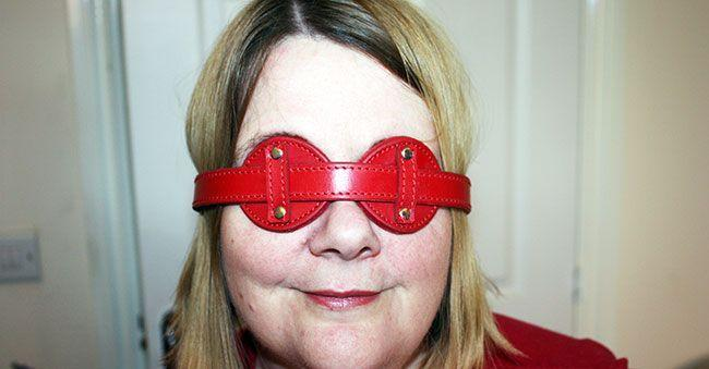 This is a fantastic blindfold that is so comfortable to wear