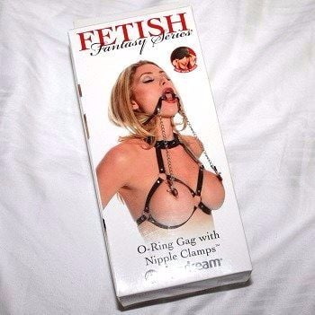 This gag comes in attractuve packaging, you don't get the harness though