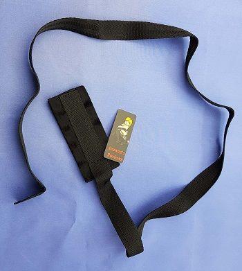 Dlouhý páskový popruh usnadňuje potlačování vašeho poddaného