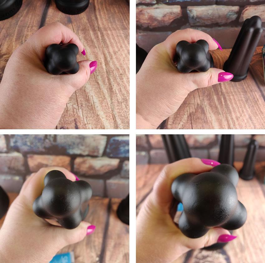 円周の違いを示すジョアンの手にある各肛門プローブを示す画像