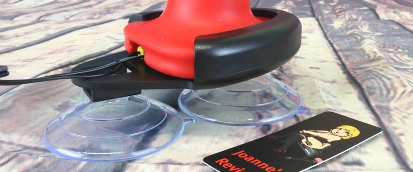 Obrázek znázorňující kolébku pro Komodo Electro Dildo