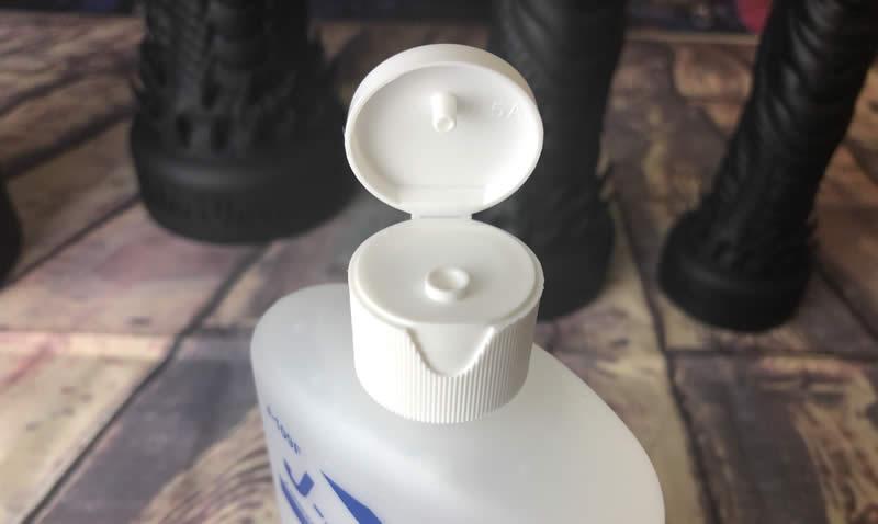 Imagen que muestra la tapa abatible del envase de J-Jelly