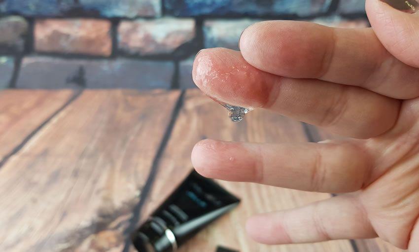 Imagen que muestra a algunos de los Jelle en mis dedos.