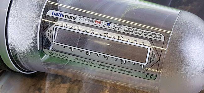 O Bathmate x30 Wide Boy possui uma escala de medição acessível no topo