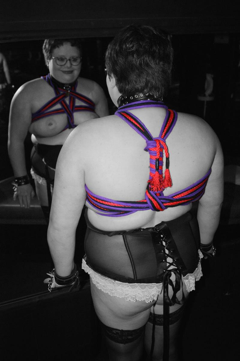 The lovely sub'r' in some ropewrok