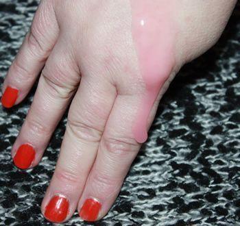 SPUNKSLANG Roze loopt over mijn vingers