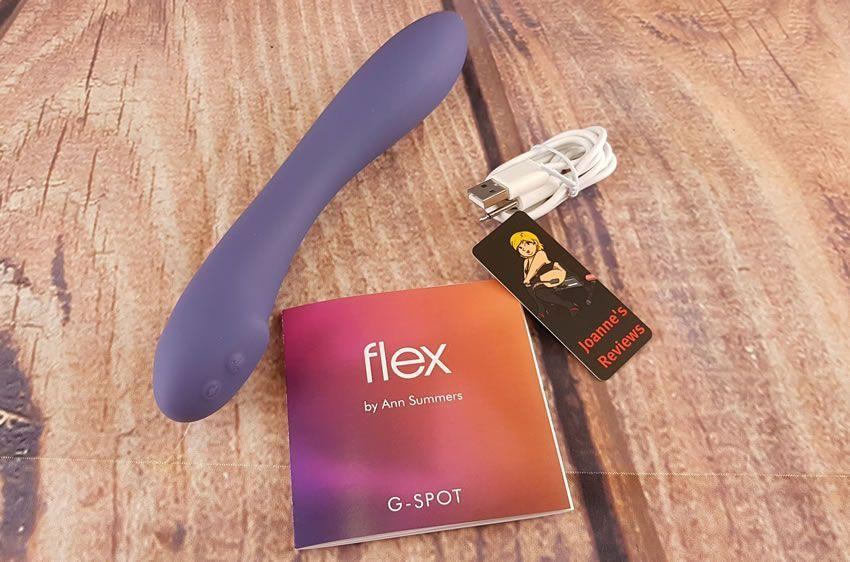 Immagine che mostra cosa è incluso con il vibratore G-spot Flex di Ann Summers