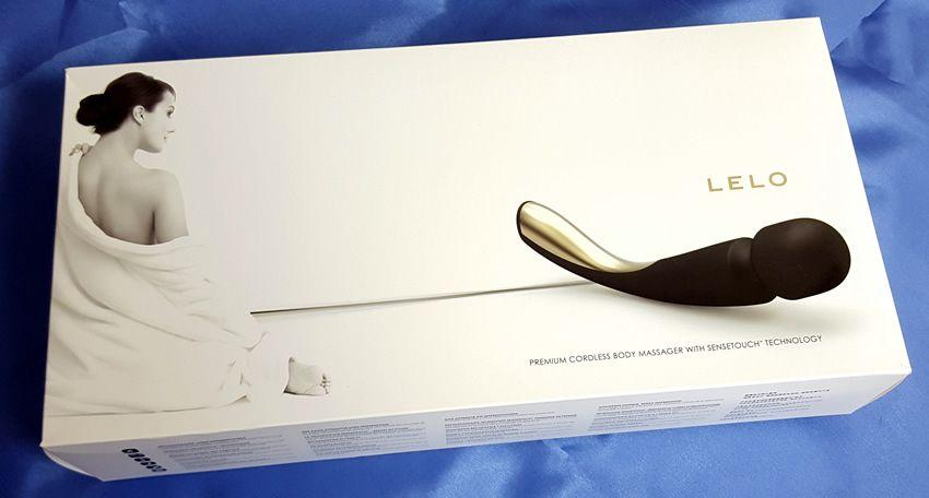 The Lelo Smart Wand Large comes in a very attractive retail box