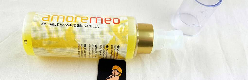 AMOREMEO Vanilla Kissable Hieronta Gel Review