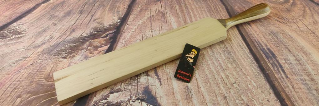 Dřevěné pádlo z vděčné bolesti Recenze