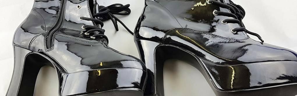 プレジャーFuntasma Exoticaブラック特許ワイド幅プラットフォームGogo Boot